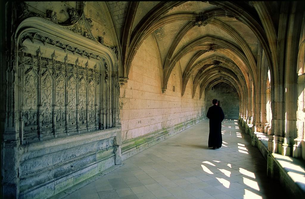 Seine à vélo : l'Abbaye de Saint-Wandrille où l'abbé Pierre vécut les dernières années de sa vie