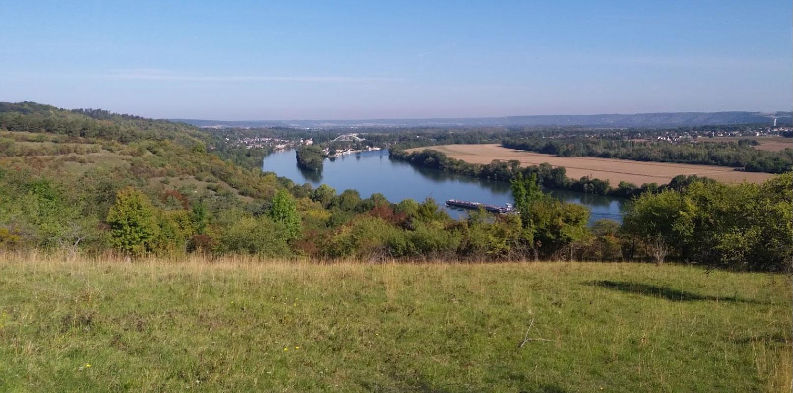 panorama sur le sentier des azurés à Vironvay