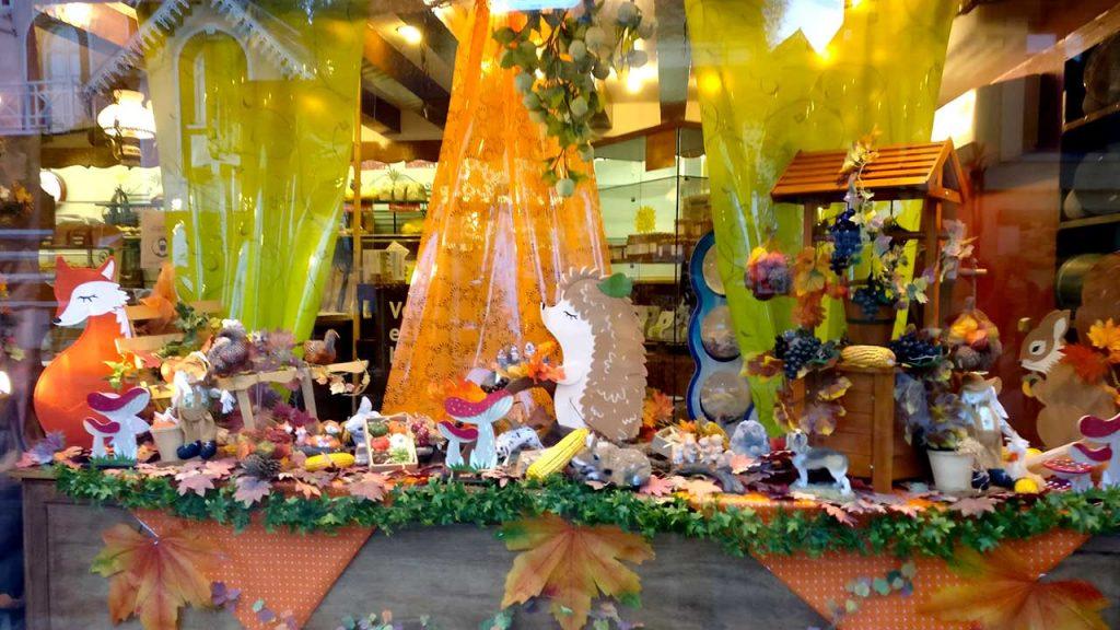 Vitrine d'automne de la boulangerie Carpentier à Saint-Pierre du Vauvray