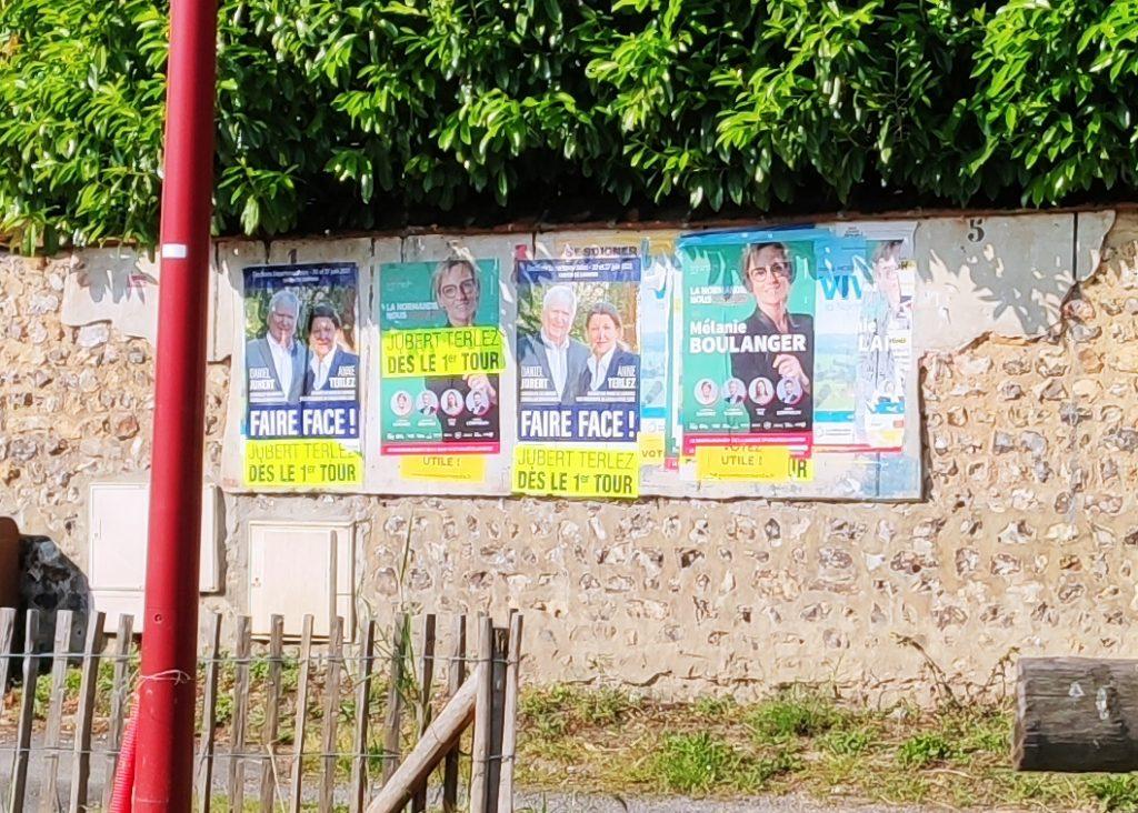 affichage mairie à Saint-Pierre